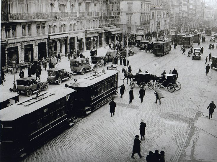 Calle de Alcalá. 1920 http://ibytes.es/blog_historia_de_madrid_fotografias_1907-1965.html