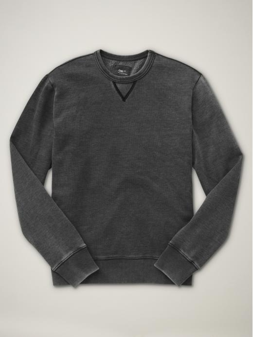 yes, this is a mens sweatshirt, but it is SO soft