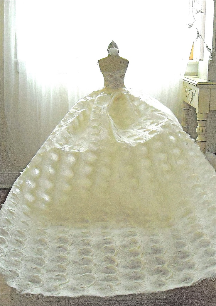 1000 images about party table centerpiece on pinterest Wedding dress vase