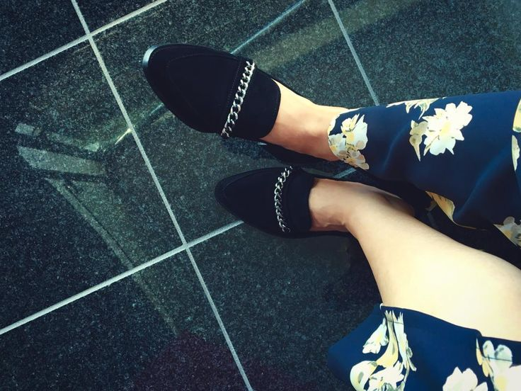 Leonora loafers in black suede