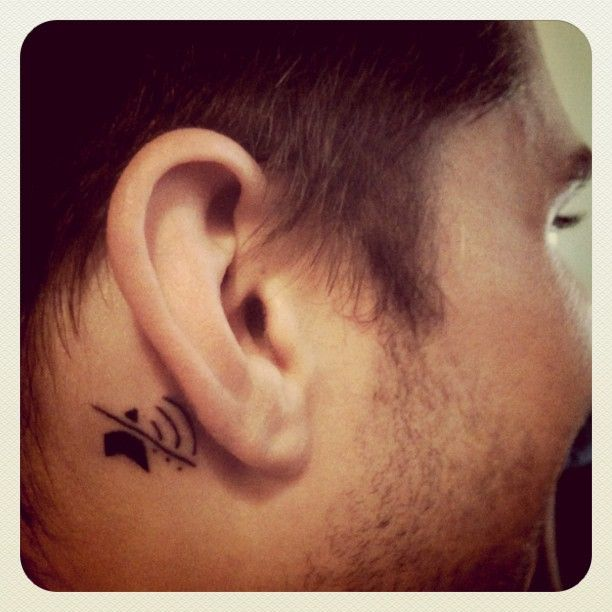"""In a tattoo forum discussion, this from Brando: """"Got my first tattoo Friday for my birthday. I'm deaf in my right ear and everyone always forgets which ear..."""" -- SH: This would be a useful tattoo for my left ear!"""