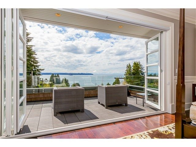 Awesome West Van view home listed w Century 21 In Town. 3321 MATHERS AV, West Vancouver, BC - ID V1142272