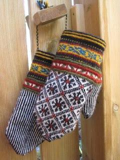 love the design Lappone: BALTIC - Mittens in twined knitting/bra sätt att använda restgarner