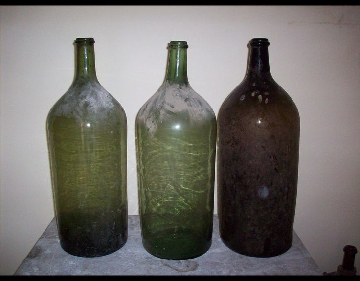 Damigiane vetro soffiato, damigiane antiche Antique demijohn, antique wine bottles, vintage accent, carboy, antique carboy, glass bottles, jugs, wine jugs, glass vase, wine bottle from Italy, Italian wine bottle,  wicker bottle, imports, imported bottles, bottles for sale