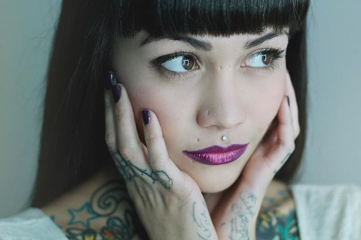 Valentina Dávila (VioletRose Suicide)