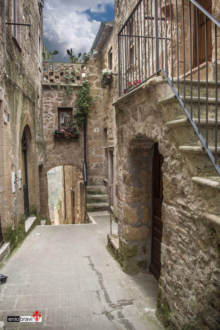 Scatti di Toscana dedicati a Pitigliano (Grosseto) di Enio Bravi Vai a: Galleria foto di Toscana