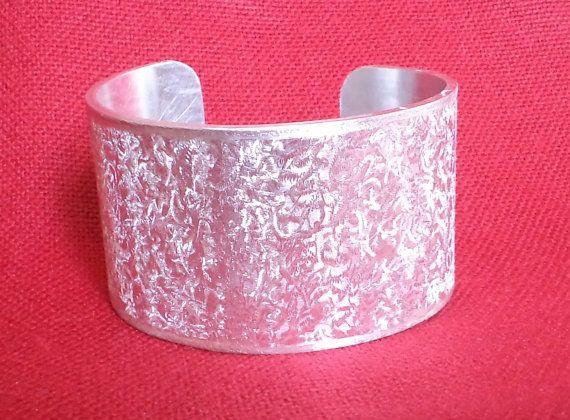 Handmade shiny cuff aluminium bracelet by mamietco on Etsy, €20.00