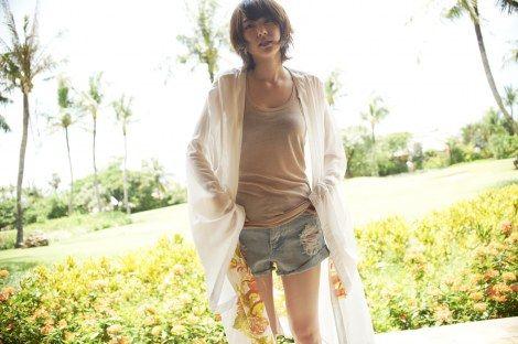 画像・写真|新垣結衣初のファッションマガジン『NYLON JAPAN × Yui Aragaki Fashion Photo Magazine』の収録カット  (C)カエルム  3枚目