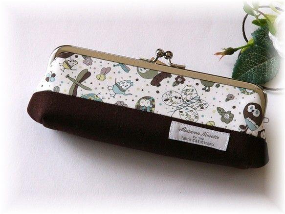 ご覧いただき、ありがとうございます♪リバティ Eliza's Owls(ブラウン・カーキ系)を使った、ペンケース・眼鏡ケースをです。キルト芯を使用し...|ハンドメイド、手作り、手仕事品の通販・販売・購入ならCreema。