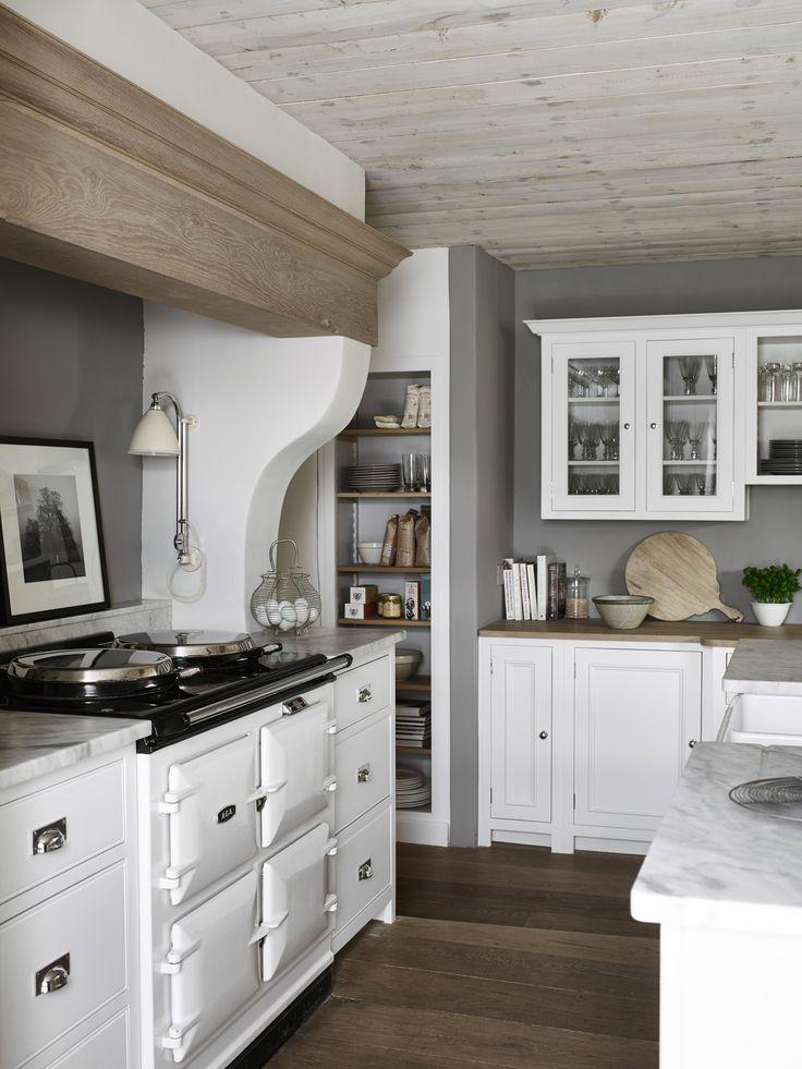 Our hand-painted Chichester kitchen. #CoolWhiteKitchen #NeptuneHome