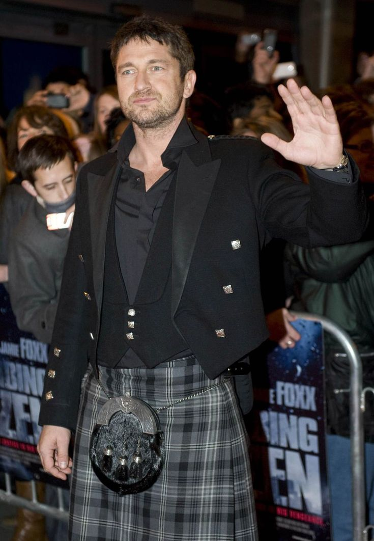 #GerardButler con un classico #kilt #scozzese