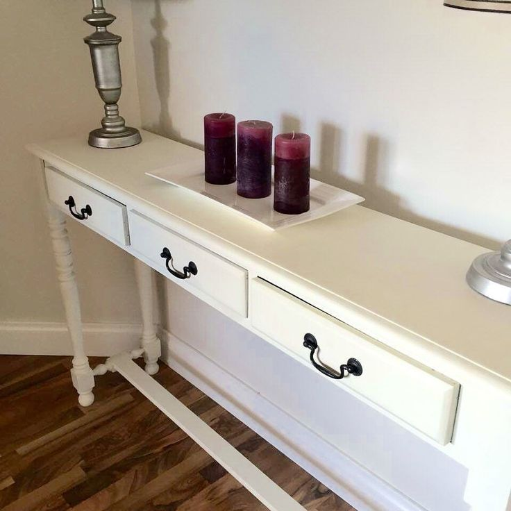 This beautiful hall stand sold almost instantly. It's such a versatile piece, painted in a lovely shade of vintage white