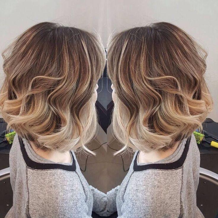 E o que dizer do novo corte de cabelo  ombré da repórter @karencarneti? Somos só suspiros por aqui... #cabelo #beleza