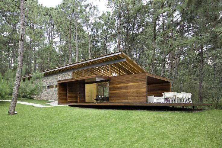 Casa RO Tapalpa / Elias Rizo Arquitectos