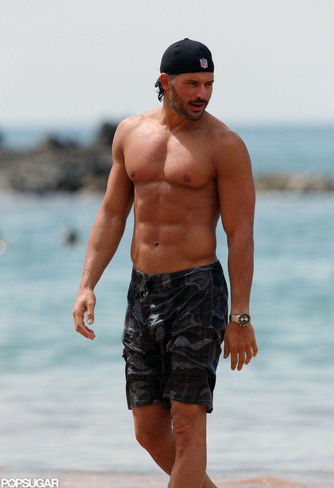 Il a fait sensation torse nu à Hawaii en Octobre 2011. | Nous ne serons jamais lasse pas de voir Joe Manganiello Torse nu | Popsugar Celebrity
