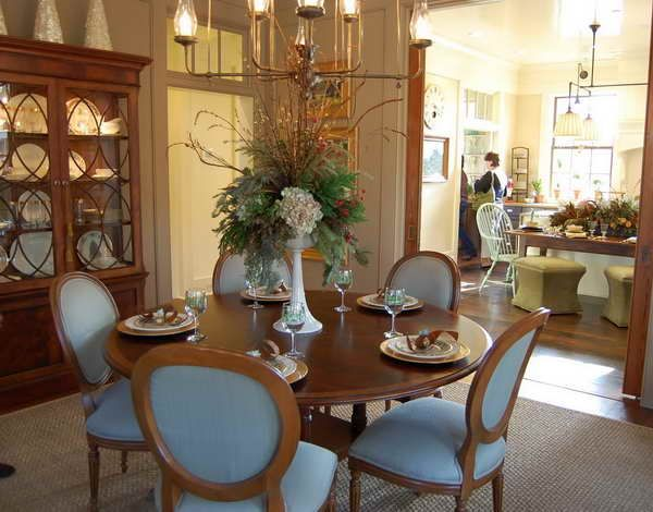 decorated round dinning table   Dining Room Table Centerpieces: Decorate with Style Dining Room ...  2 kitchen chairs