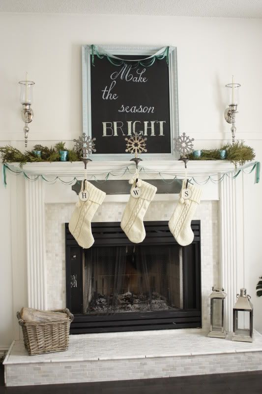 love the white decorations: Chalkboards, Christmas Decor Ideas, Mantel Decor, Fireplaces Decor, Blue Green, White Christmas, Holiday Decor, Christmas Mantles, Christmas Mantels