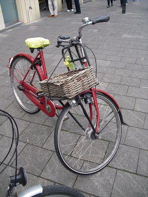 Rattan auf Rot. #Münster #Fahrrad