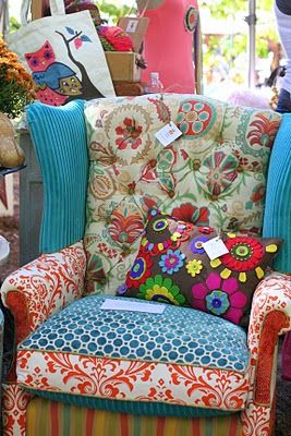 Eclectic chair: Crafts Ideas, Funky Chairs, Folk Art, Wings Chairs, Country Living Fair, Simple Thoughts, Fabrics Chairs, Old Chairs, Bedrooms Decor