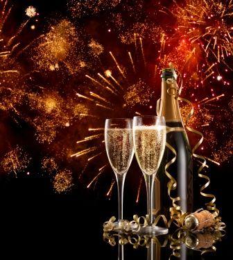 Las doce campanadas nos permiten cada año formular buenos deseos para el año entrante. ¿Por qué no utilizar sencillos y antiguos rituales mágicos para atraer energía positiva. http://www.alotroladodelcristal.com/2013/12/rituales-magicos-de-fin-de-ano-para.html