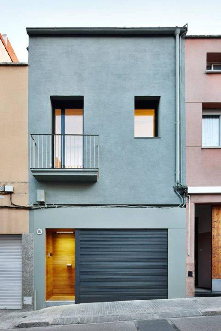 Una vivienda entre medianeras con una fachada normal esconde…