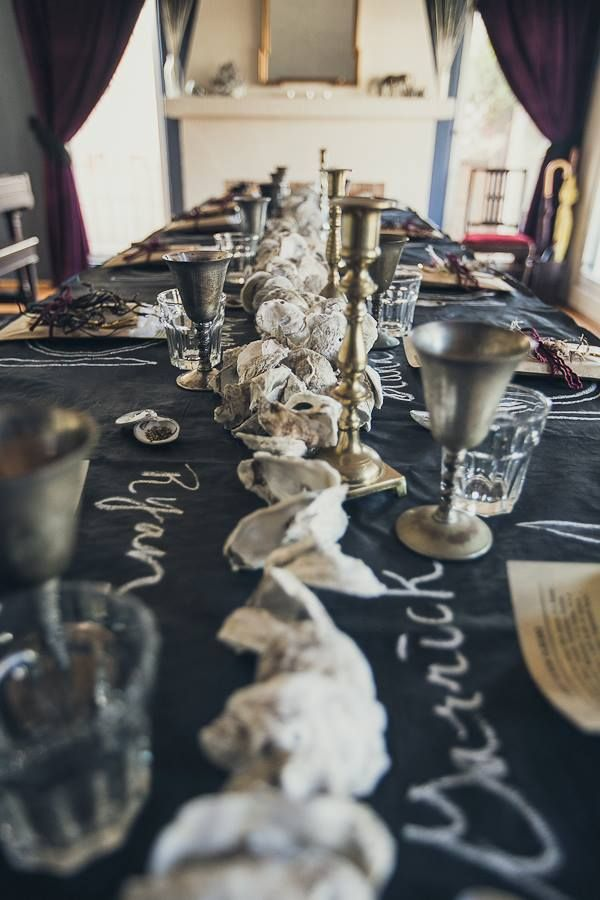 If you're looking for themed dinner party ideas, here are a few featuring a New Orleans themed supper club dinner party on Art in the Find. Click to read more!