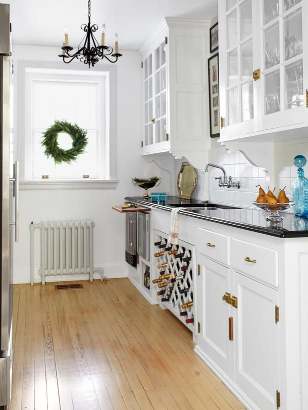 Expert Kitchen Design : Rooms : Home & Garden Television Bulter's Pantry http://www.hgtv.com/kitchens/expert-kitchen-design/pictures/index.html#?soc=pinfave