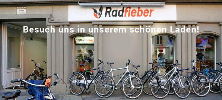 Radfieber, mitten im Belgischen Viertel (Bismarckstraße 31) - superschöne Fahrräder (Beach Cruiser, Hollandräder, etc.) und Accessoires. Und natürlich auch eine Reparaturwerkstatt.