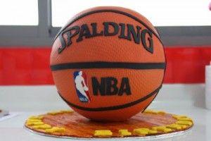 gateaux-en-forme-de-sports-gateau-basket