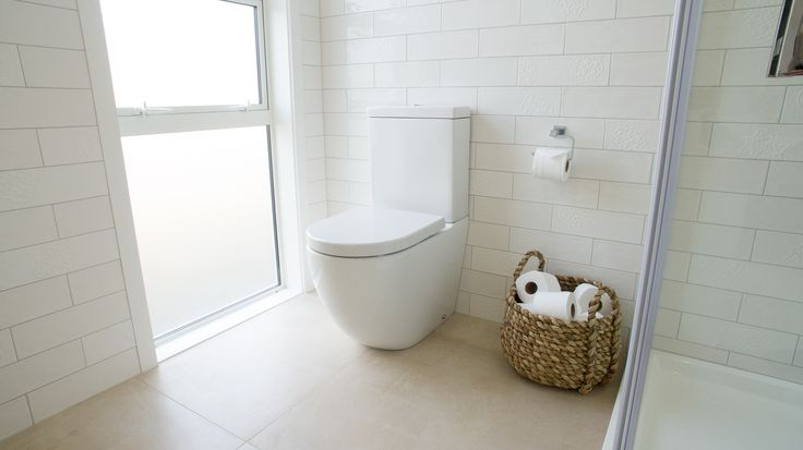 Subway tiles, brick gloss white & décor, with stainless steel trip (wall tiling)