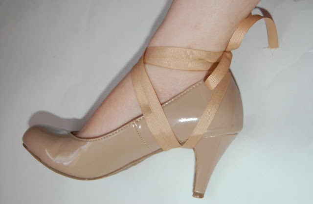 Gloriously Chic: DIY Lace Up Heels (no eyelets!)