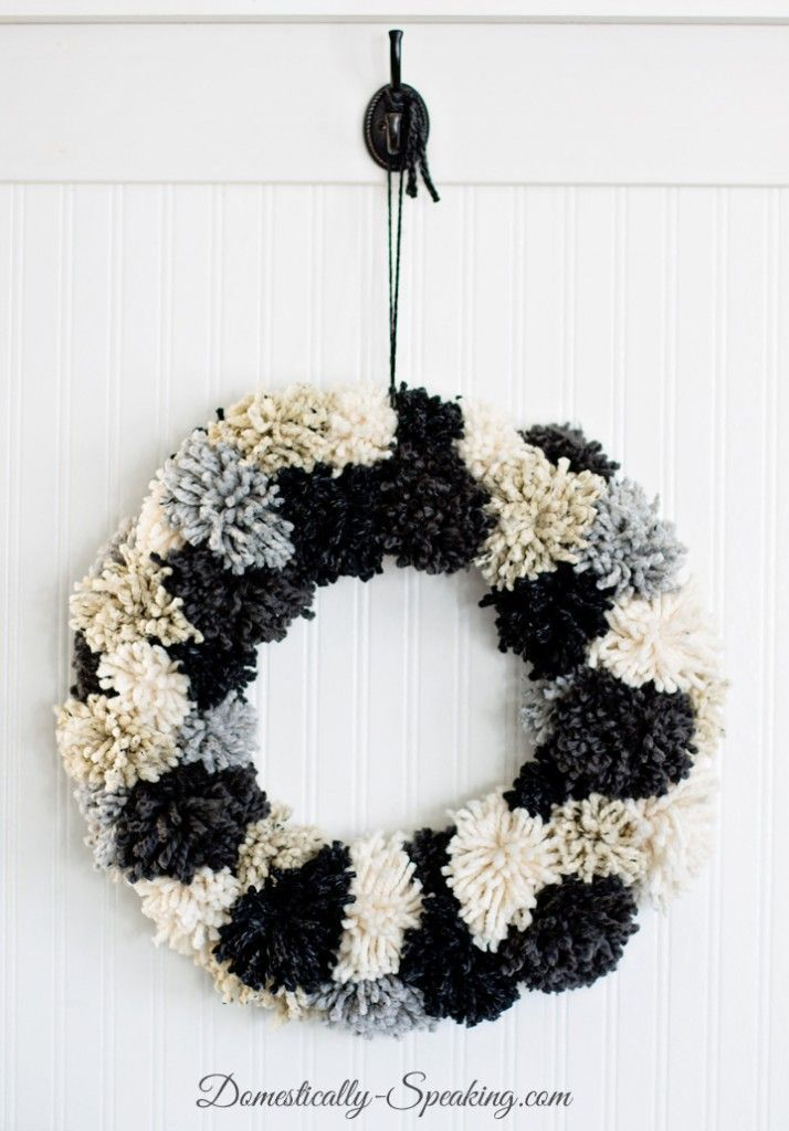 DIY Winter Pom Pom Wreath