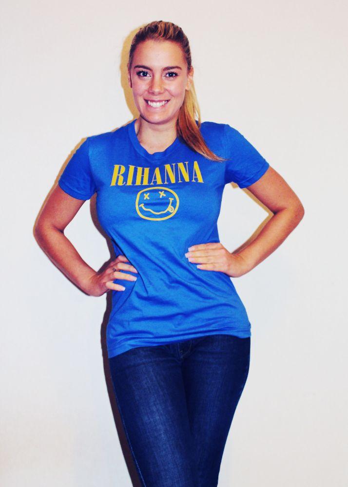 #dwste #blue #rihanna #tee #shirt #nirvanna #nevermind #teenspirit #ponytail #model #blonde #style #fashion #blogger #tan