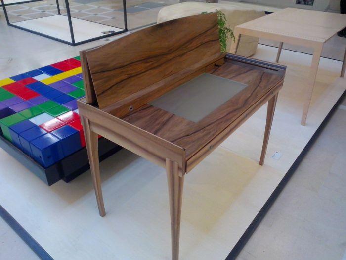 Exposition Design & Artisanat d'art Paris et Berlin - Table transformable, par Christian Mathis