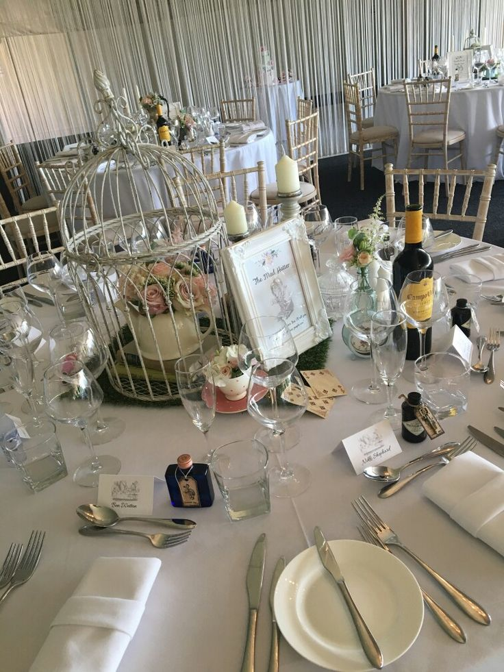 Themed tables....Alice in Wonderland!