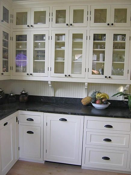 Victorian kitchen remodel pic 2 love the handle pulls for Victorian kitchen ideas