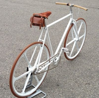 Single speed bicycle - fixie kyms favorite, cause its white