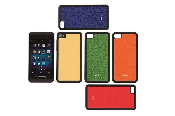 I nuovi smartphone BlackBerry Z10 si vestono con le cover Valextra.