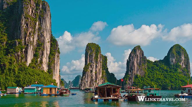 Magnificent views in Halong Bay