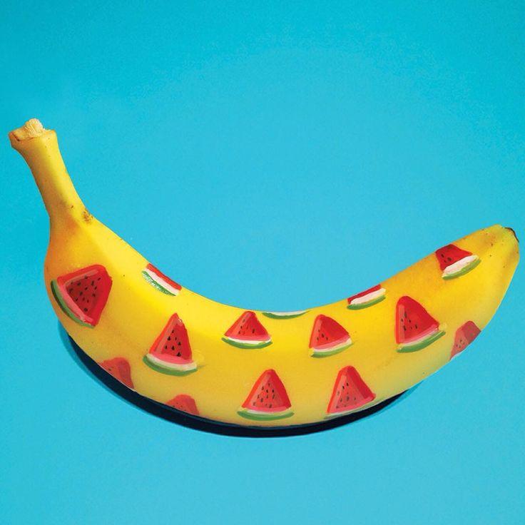 La nueva paleta de temporada para tu hijo de 4 patas es perfecta para refrescarlo en los días soleados de Cali! ☀️  Desde este fin de semana puedes encontrar la paleta de banano y sandía en @cielitolindoco y en @tiendamilan , perfecta para disfrutar en sus espacios pet-friendly ❤️ #PerroFeliz #chachayelgalgo #paletasparaperros #amorperruno #mascotas #peluditos #alimentacioncanina #petfriendlycali #YoCreoEnCali #cali #calico #colombia  de Marta Grossi @bananagraffiti