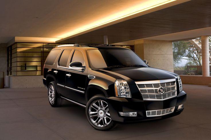 En mi casa te go un Cadillac fresco. Tambiem, tengo un conductor privado. Hay un motón de buenos servicios.