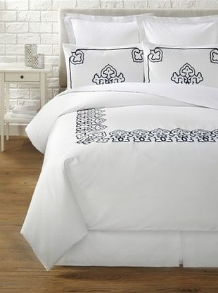 60% OFF Blissliving Home Daliya Duvet Set (Navy Blue/White)