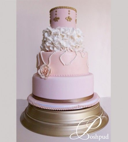 Poshpud | Bellamy; ivory pink and gold wedding cake; pearls; sugar flowers