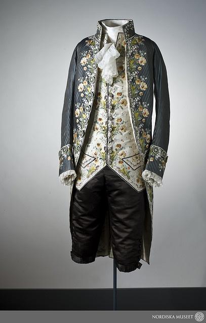 Dress worn by the Swedish statesman and diplomat Axel von Fersen (1755-1810), c.1785.
