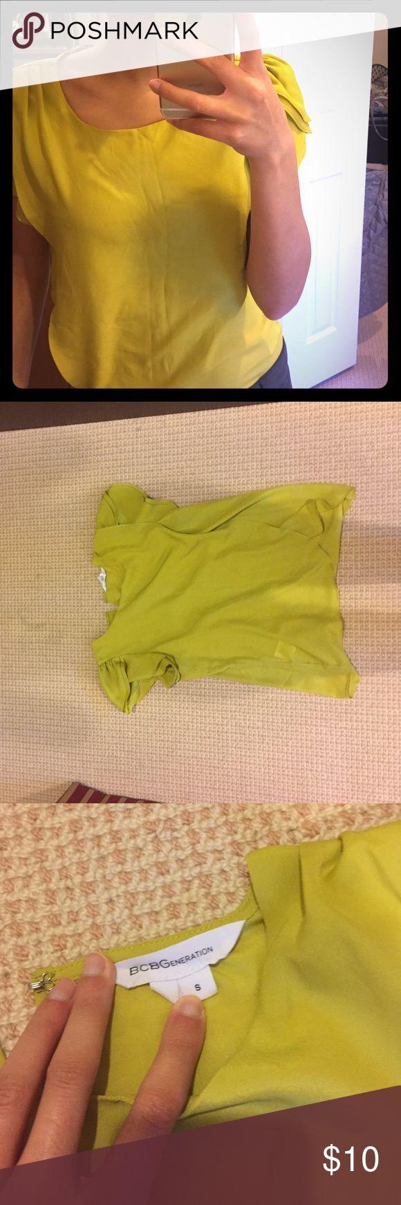 BCBGeneration yellow green flutter sleeve top sz S Flutter sleeve top BCBGeneration Tops Blouses