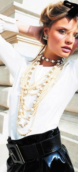 Chanel - Pearls