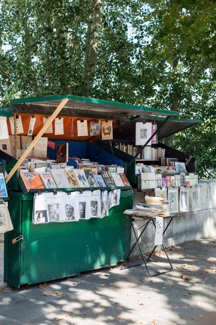Riverside booksellers in Paris seek Unesco status and more sales