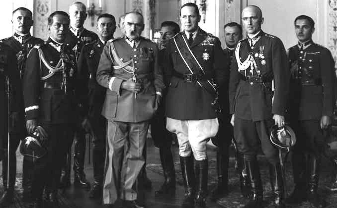 Douglas MacArthur with Józef Piłsudski and other Polish officers, Warsaw, Poland, 1932