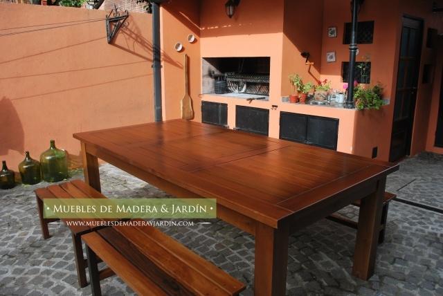 Mesa de incienso con bancos para patio exterior mesas for Mesas y sillas para patios