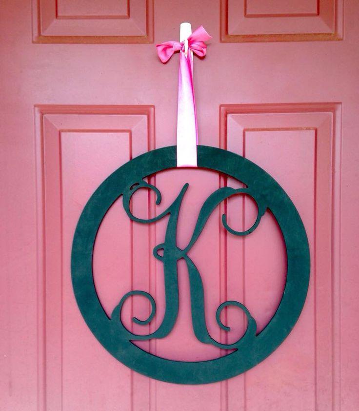 circle monogram door hanger find in our etsy shop. Black Bedroom Furniture Sets. Home Design Ideas